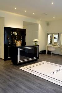 Cotril Salons